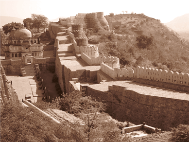 Kumbhalgarh in the Aravallis (photo: Aroon Raman)